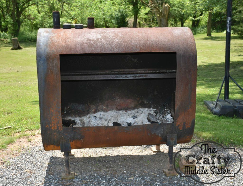 How To Turn An Old Neglected Oil Tank Into A Unique Fire Pit The Crafty Middle Sister Fire Pit Fire Pit Materials Metal Fire Pit