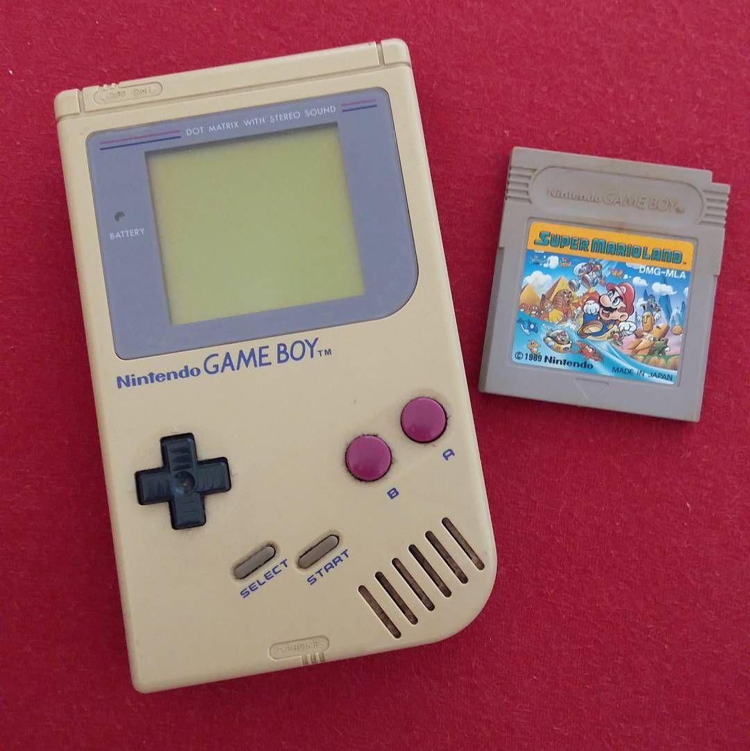 Interesting one by thaistutida #gameboy #microhobbit (o) http://ift.tt/1QsSdS0 infância  #1989 #nintendo #supermarioland