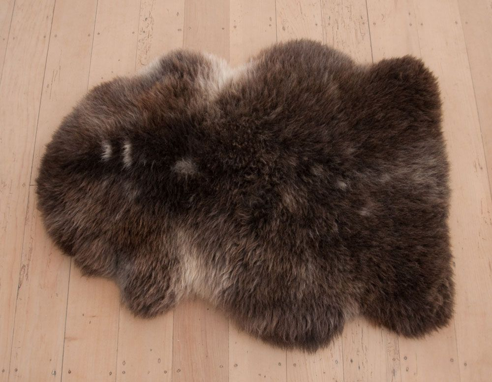 Brown And Charcoal New Zealand Sheepskin Rug From Gorgeous Creatures Https Www Gorgeouscreatures Com Au Collections Natural Sheepskins