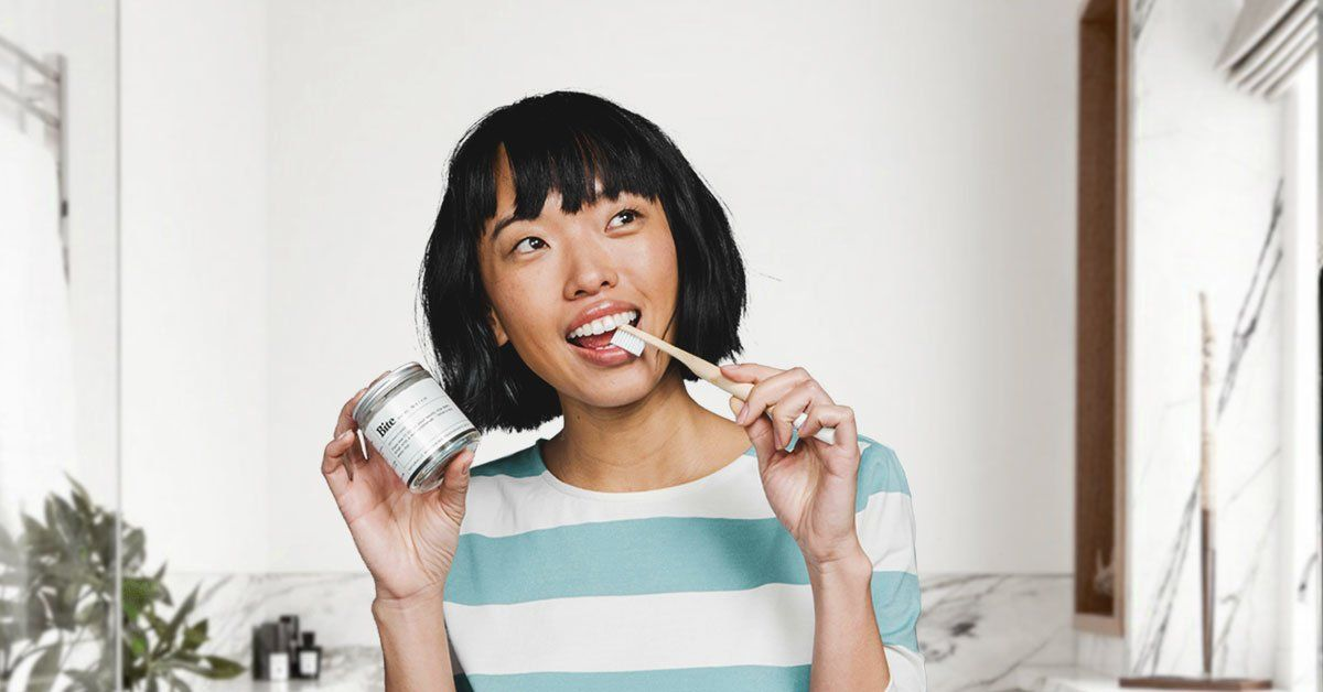 Zero waste toothpaste tablets sent in refillable glass