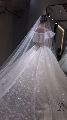 6 Beautiful Wedding Dress Trends in 2020