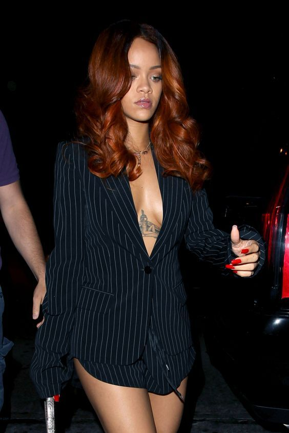 Rihanna Auburn And Amber Ombre Hair Natural Hair Styles Rihanna Hairstyles Copper Hair