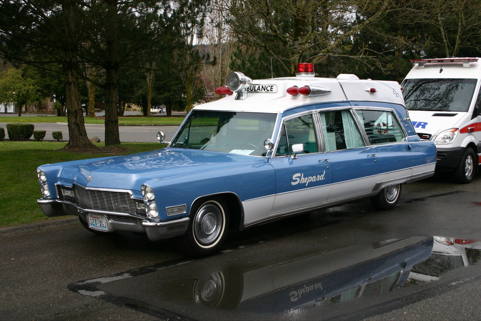 1968 cadillac ambulance service ambulance cadillac cars. Black Bedroom Furniture Sets. Home Design Ideas