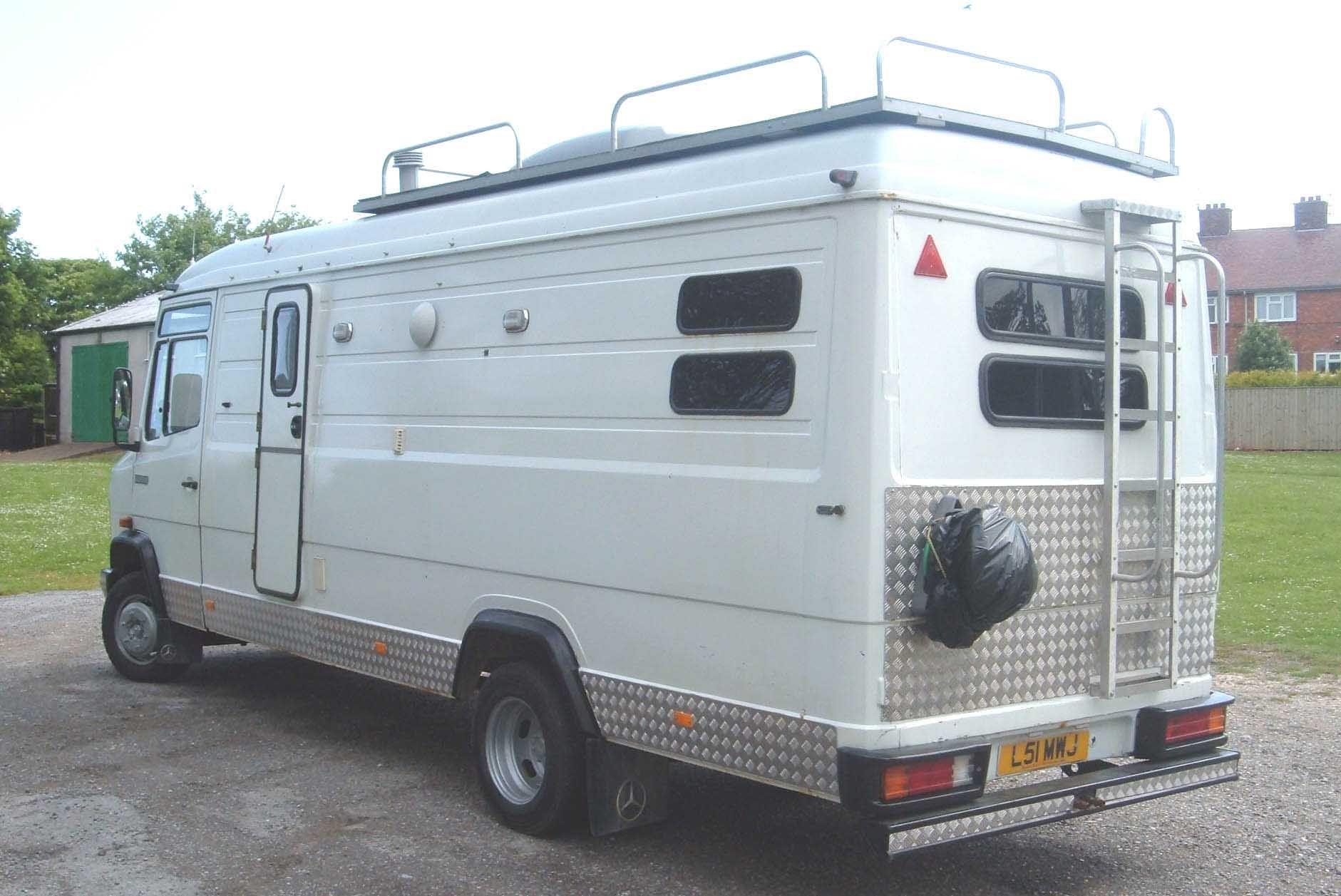 Uk hippy old bus or trailer pinterest mercedes for Mercedes benz rv camper