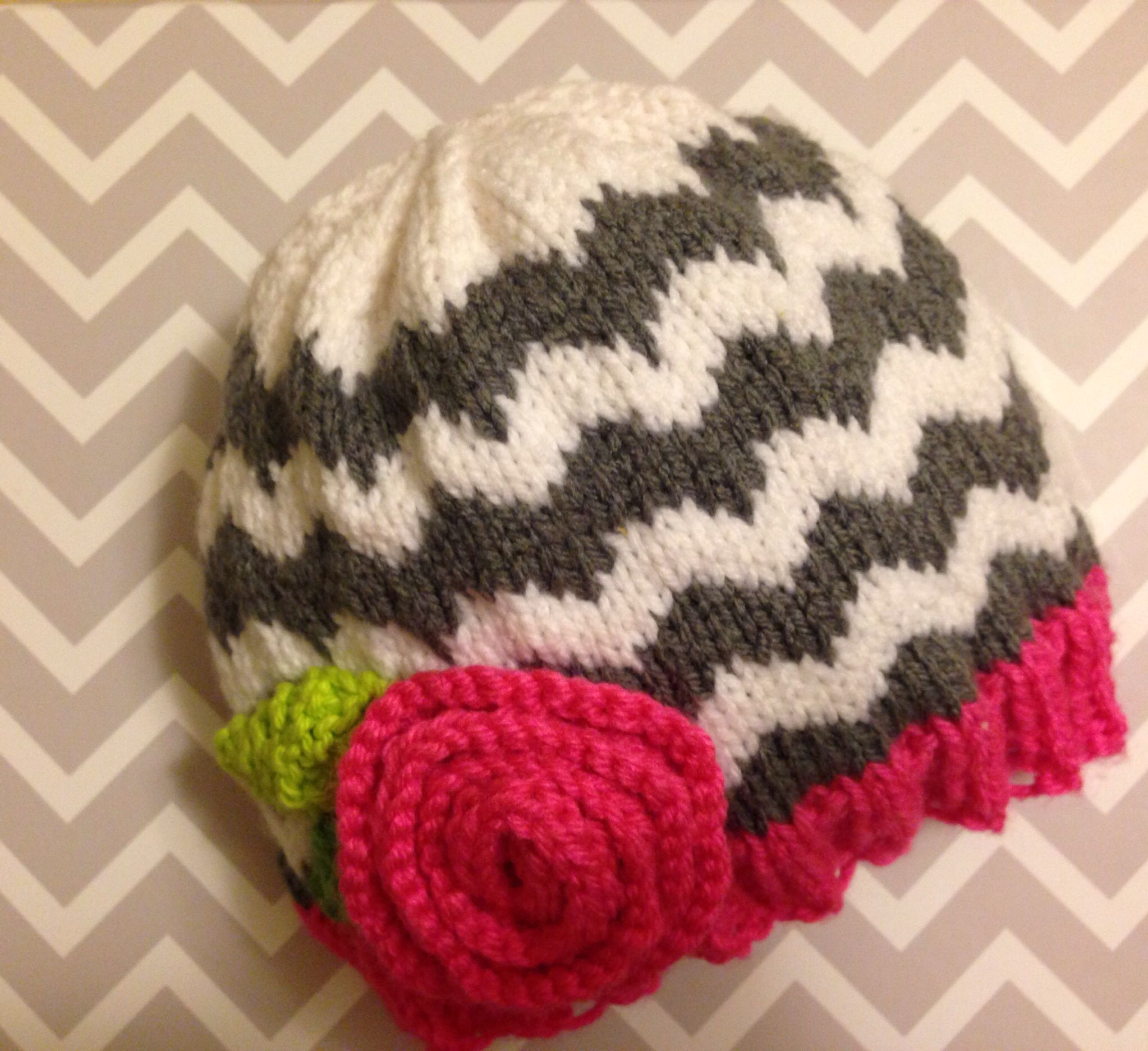 d513d854067 I made this chevron stripe baby hat for a friend. I used an etsy pattern