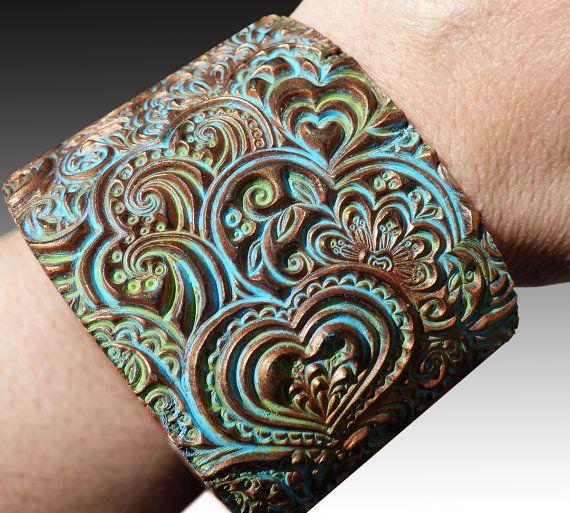 Herzen Zentangle Polymer Ton Manschette Armband von adrianaallenllc