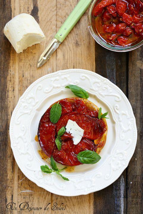 Tatin de tomates confites et ricotta - Tomatoes tart tatin >> Un déjeuner de Soleil