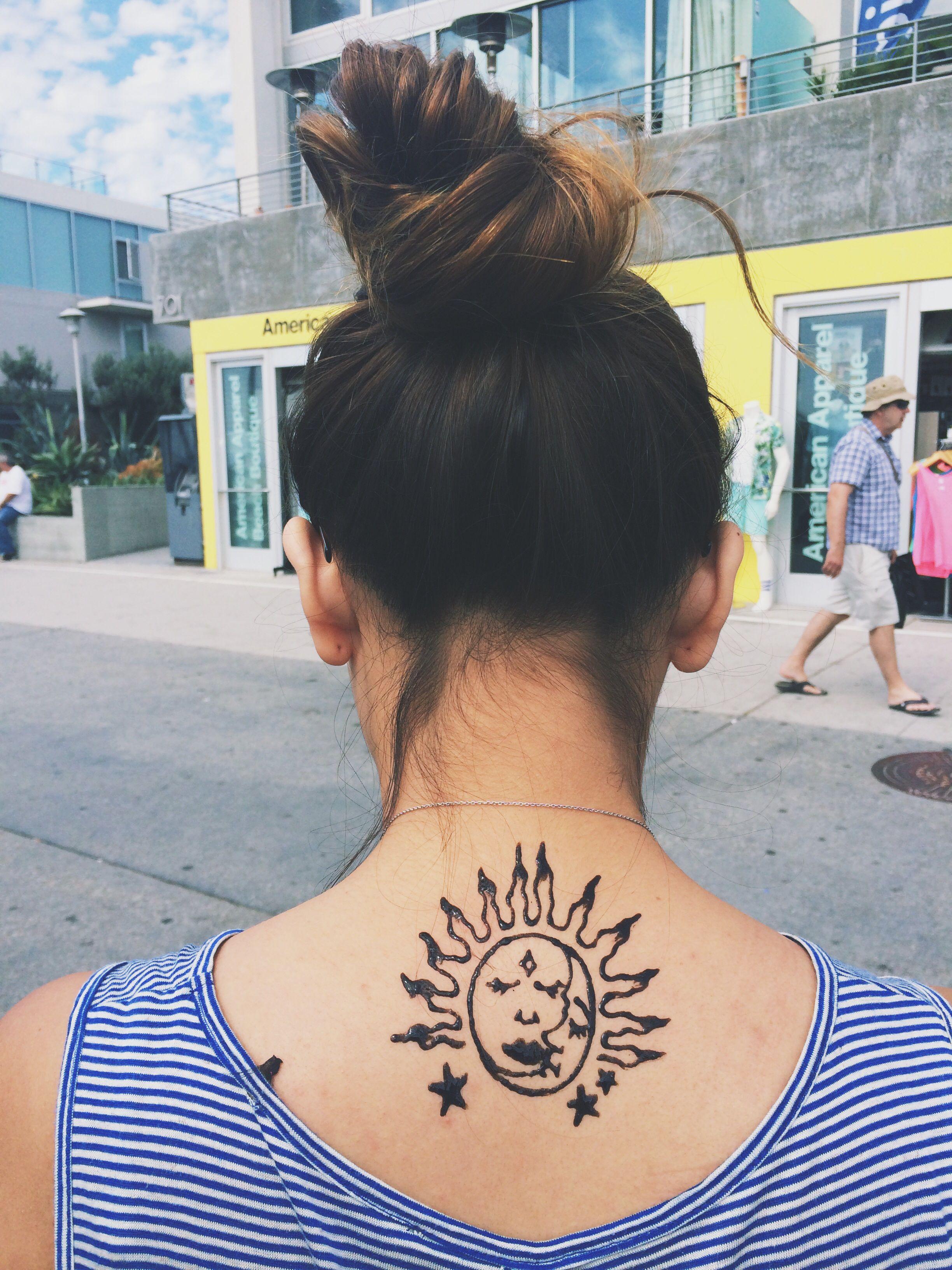 Henna tattoo from a local sidewalk artist in venice beach
