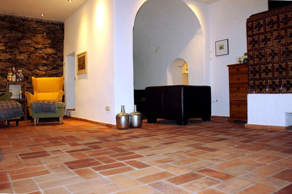 Fußboden Aus Ziegelsteinen ~ Bodenplatten antik fliesen klinker alte mauersteine backsteine