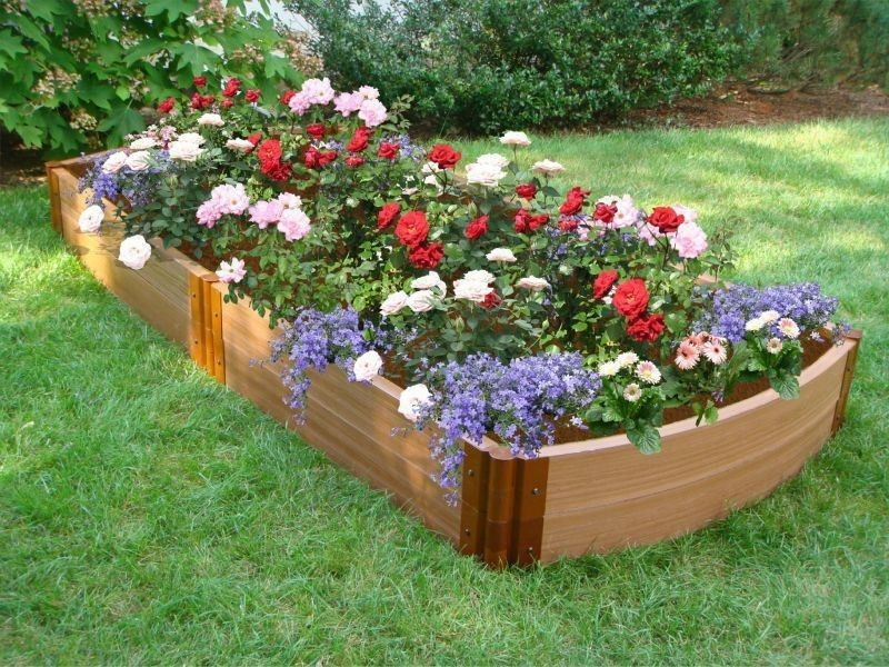 Curved Ends Raised Garden Bed   Great Way To Hide Your Sewer And Well  Spouts In The Middle Of Your Yard