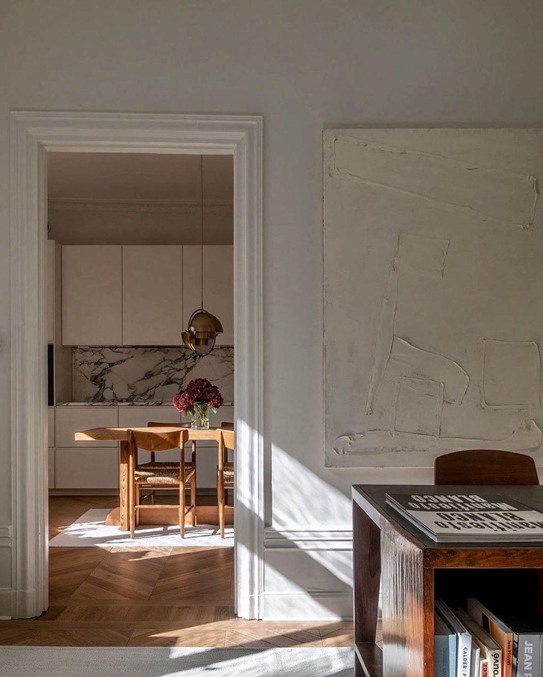 "TIM LABENDA on Instagram: ""13 09 2020 Werbung/Ad Most beautiful Light in the home of @fredrikkarlssoninteriors ✨ . . . . . #pierrejeanneret #pierrejeanneretdesign…"""