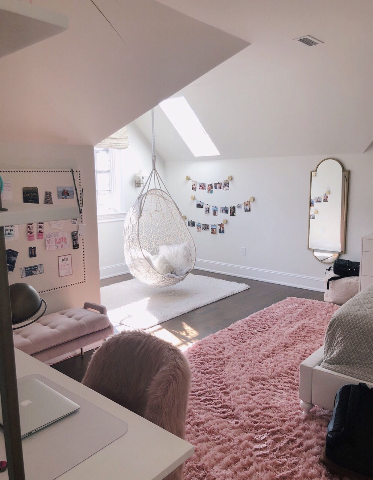I Love This Room Room Inspiration Bedroom Small Apartment Bedrooms Room Ideas Bedroom