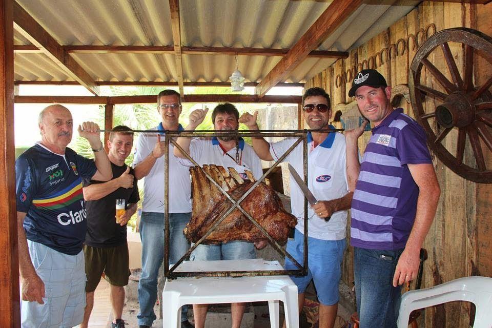 Rádio Web Mix Esporte&Som: Equipe da 96,1 FM no costelão da família Miotto em...