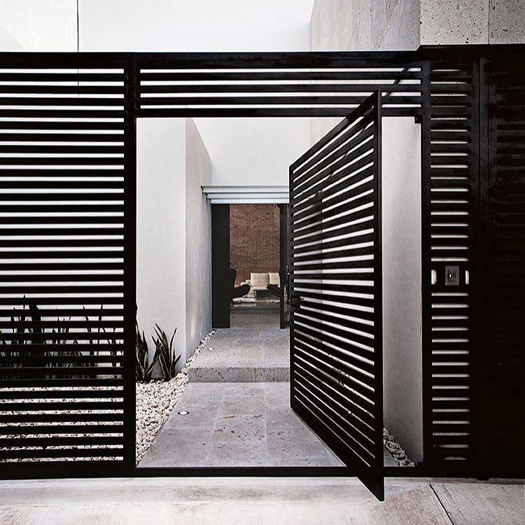 Modern Garage Doors In An Astonishing Protection: This Door Is Amazing Via Insideoutmag Architect- Home