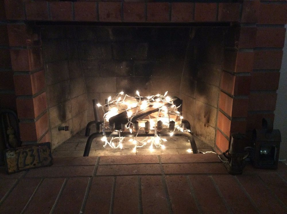 Your Fireplace - Sans Fire! | DIY | Pinterest | Christmas lights ...