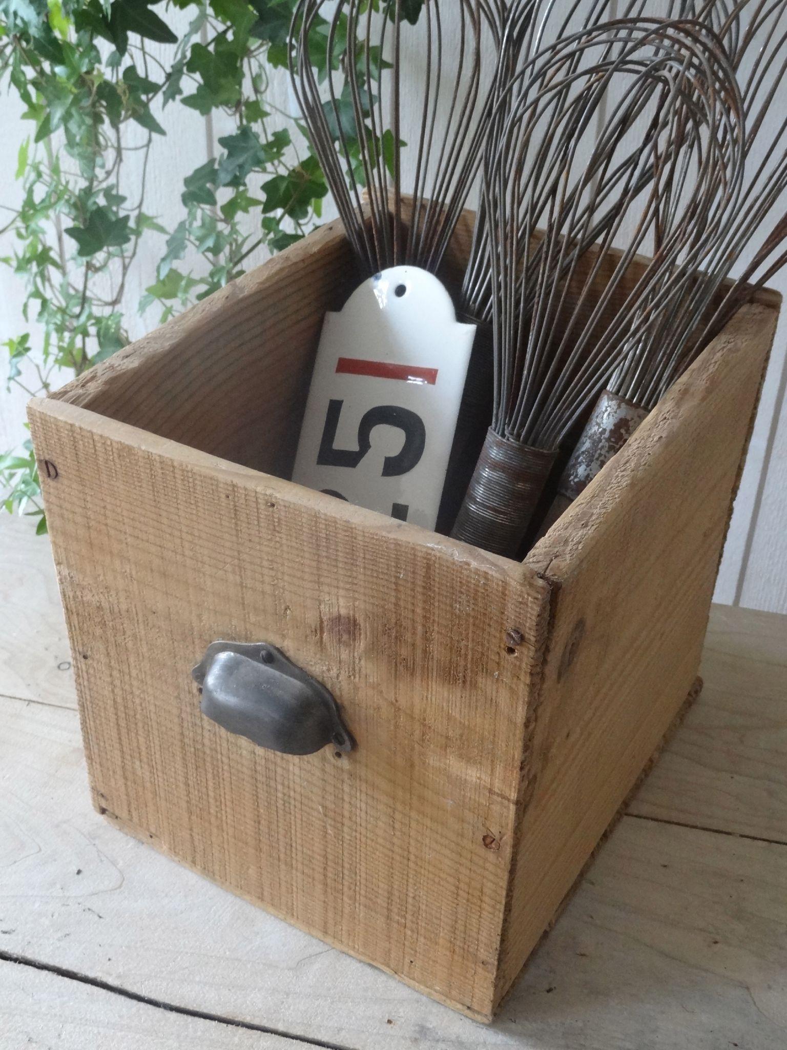 dsc09083 vintage wooden boxes crates tiroir bois. Black Bedroom Furniture Sets. Home Design Ideas