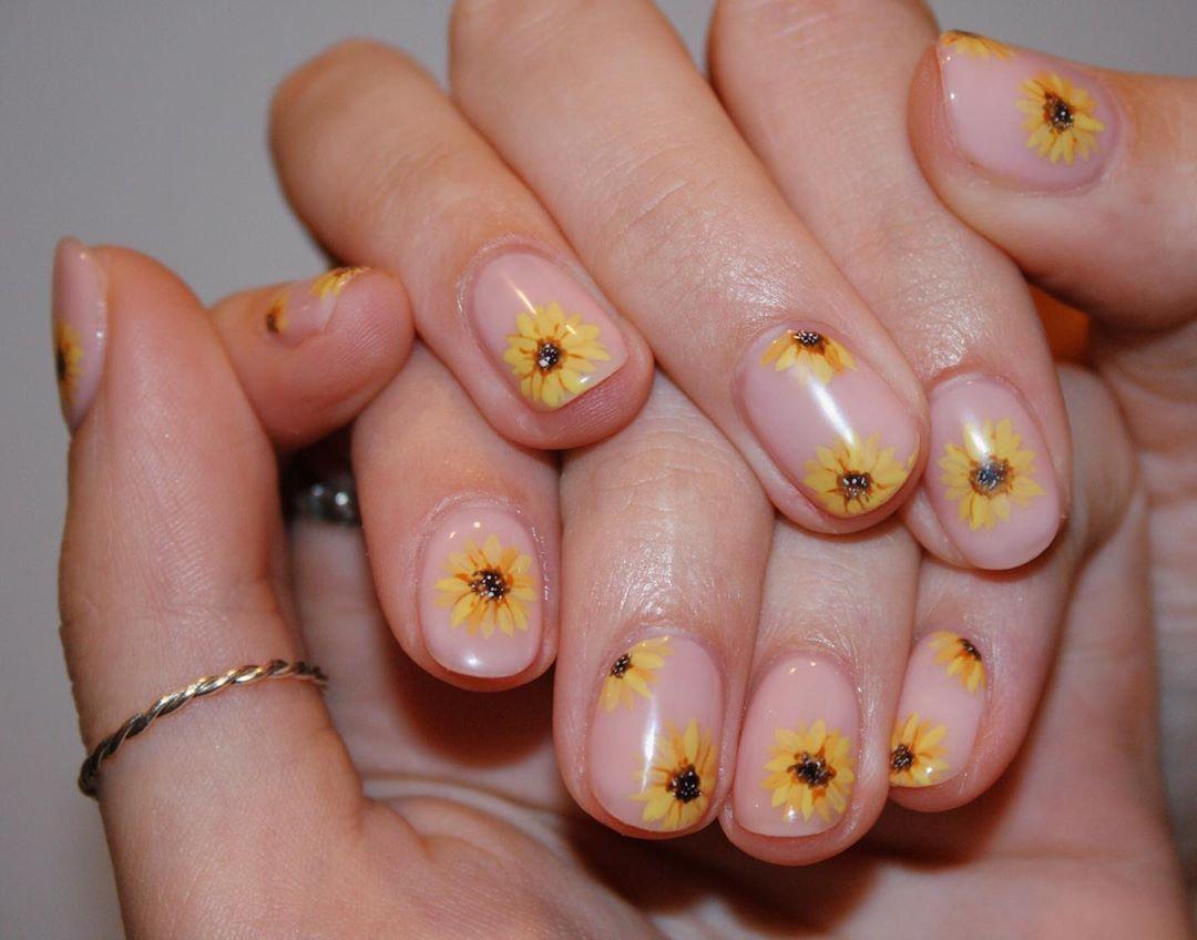 Imarninails On Instagram Hand Painted Sunflowers Gel Nail Art For Kay Bourke1 X Sunflower Nails Sunflower Nail Art Gel Nail Art