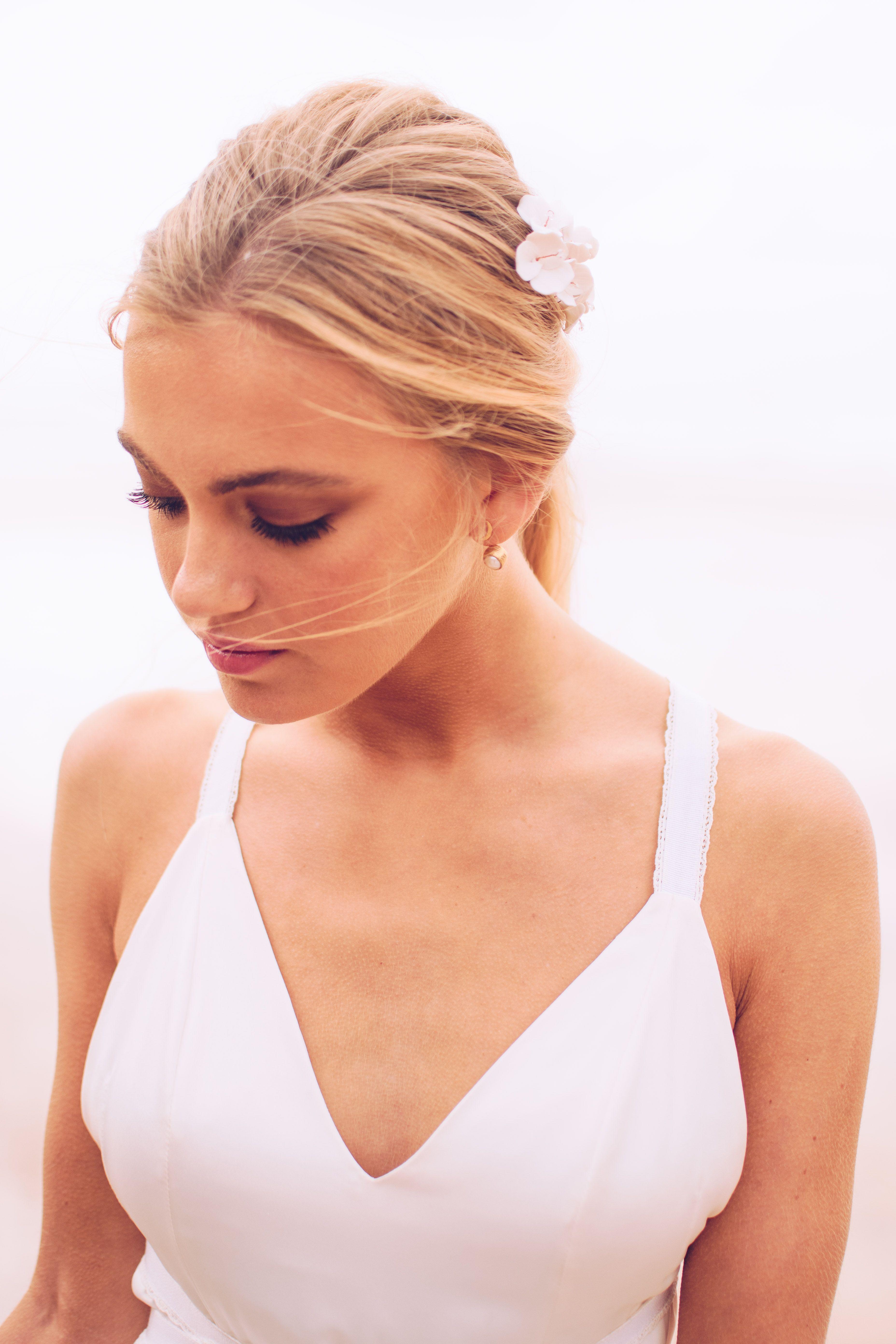 40c1f4cce576 Luna Wedding Dress - Sophie Rose Bridal - Boho Wedding Dress - Simple Wedding  Dress - Relaxed Wedding Dress - Barn Wedding - Beach Wedding - Country  Wedding ...