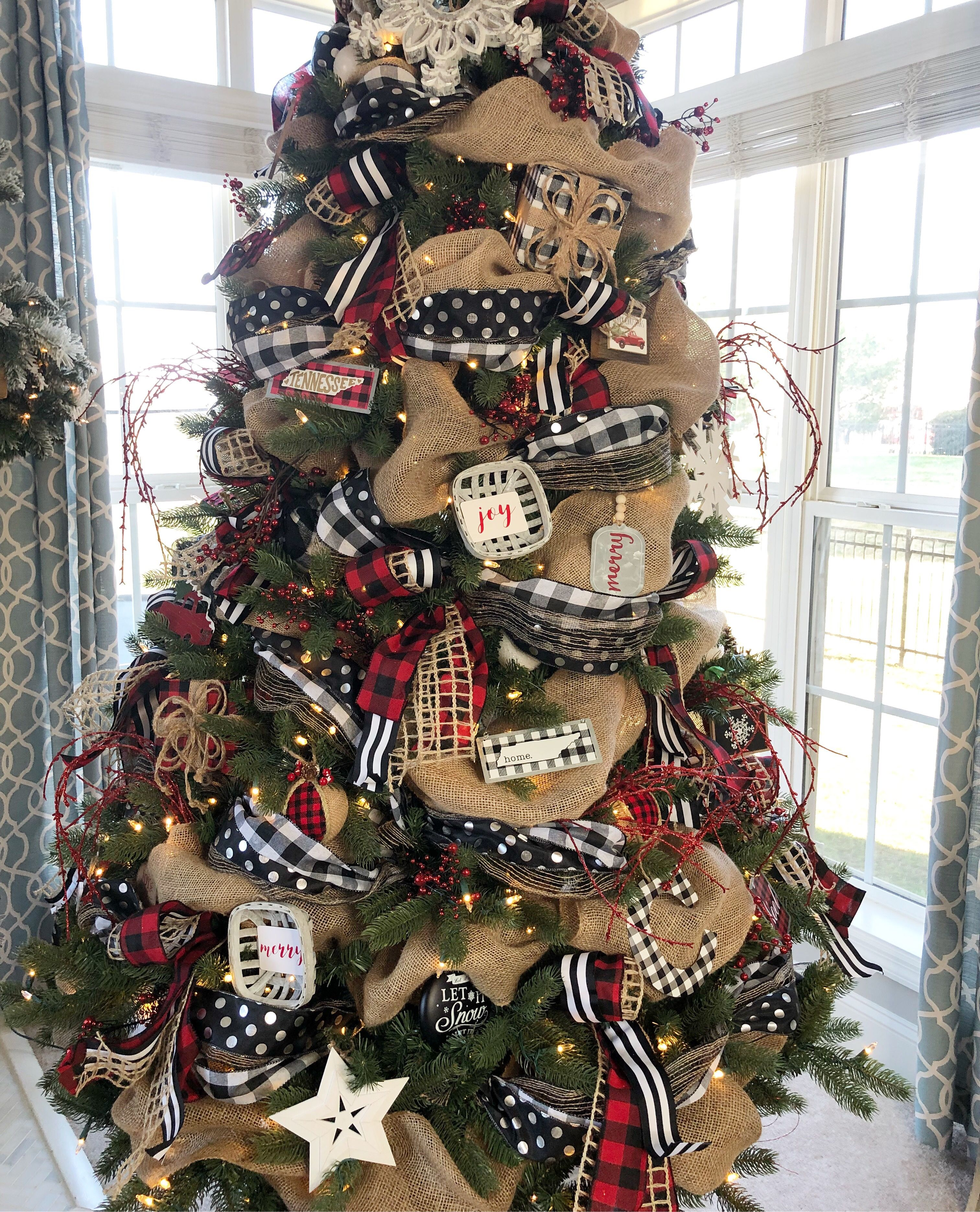 Buffalo Check Christmas Tree With Ribbon 2018 Wilshire Collections Christmas Decorations Rustic Tree Rustic Christmas Tree Ribbon On Christmas Tree