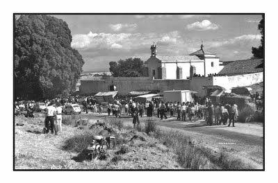 EX-345, carretera de las cruces a la altura de la ermita. Años 70.