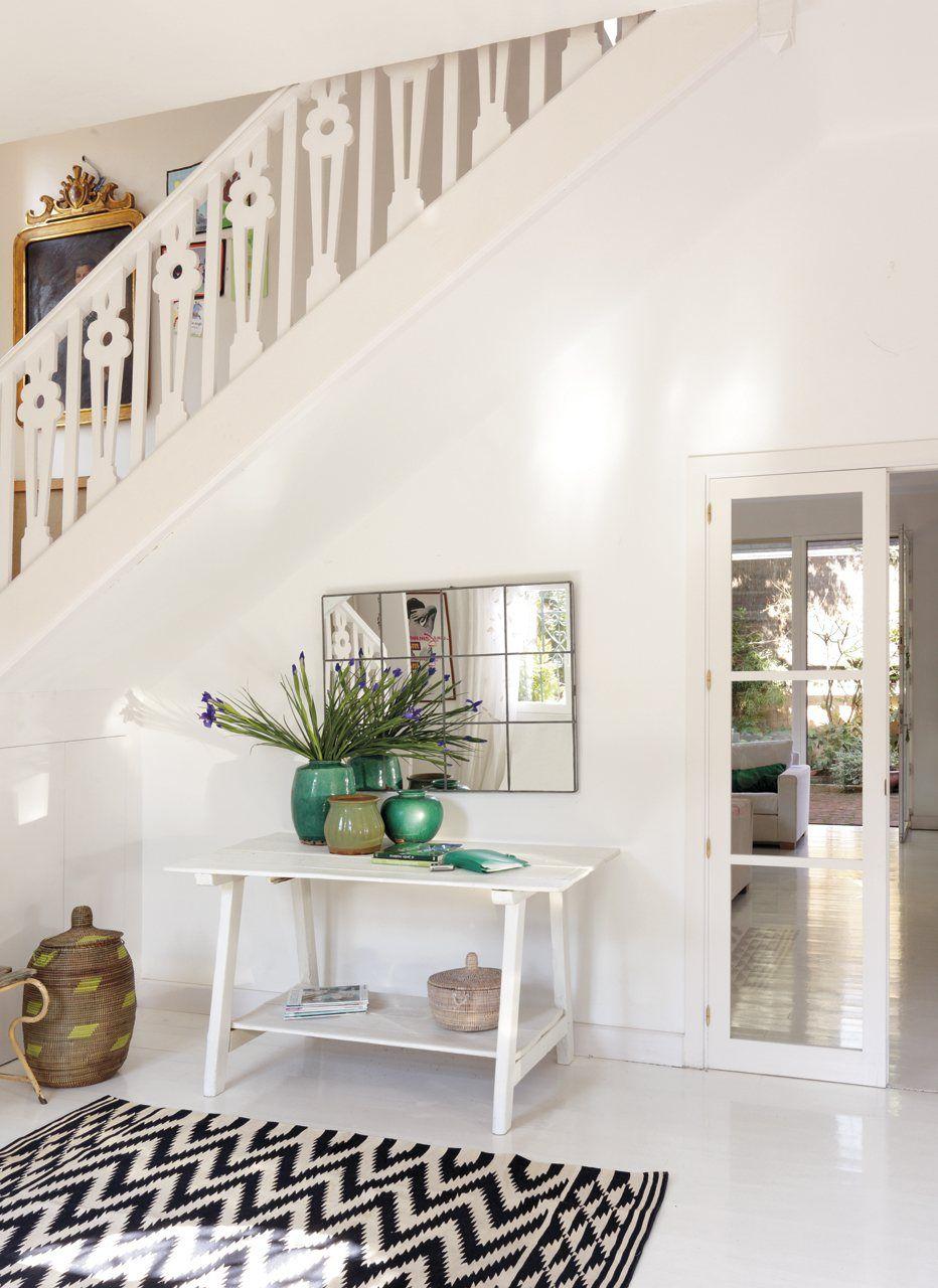 Decora el recibidor recibidores para entrar con buen pie recibidor con escaleras recibidor - Papel pintado para recibidores ...