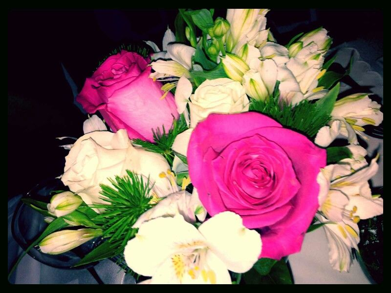 pink roses, white roses and astromelias