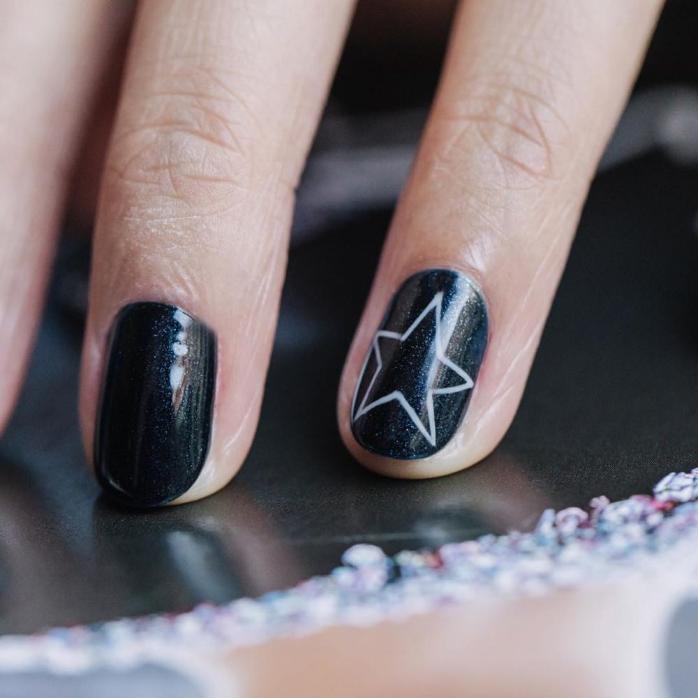 Dryby On Instagram Stars Can T Shine Without Darkness Nails By Corina Drybylondon The Sky Is Not Lit Up By One Sh Shining Star Nail Art Inspiration Nails