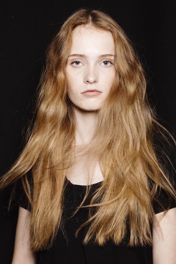halb gewellte haare | haarschnitt, wellen haare frisur