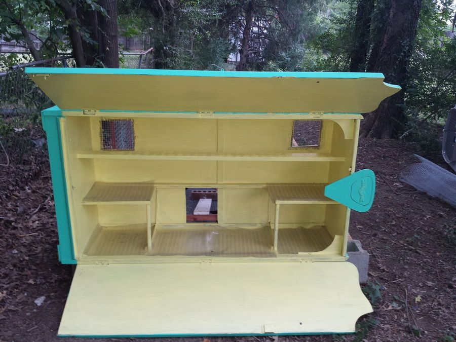 La Credenza Coop : Show off your small or cheap made coop kinder garten pinterest