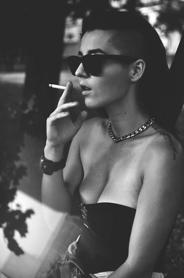 Eva Angelina fajčenie