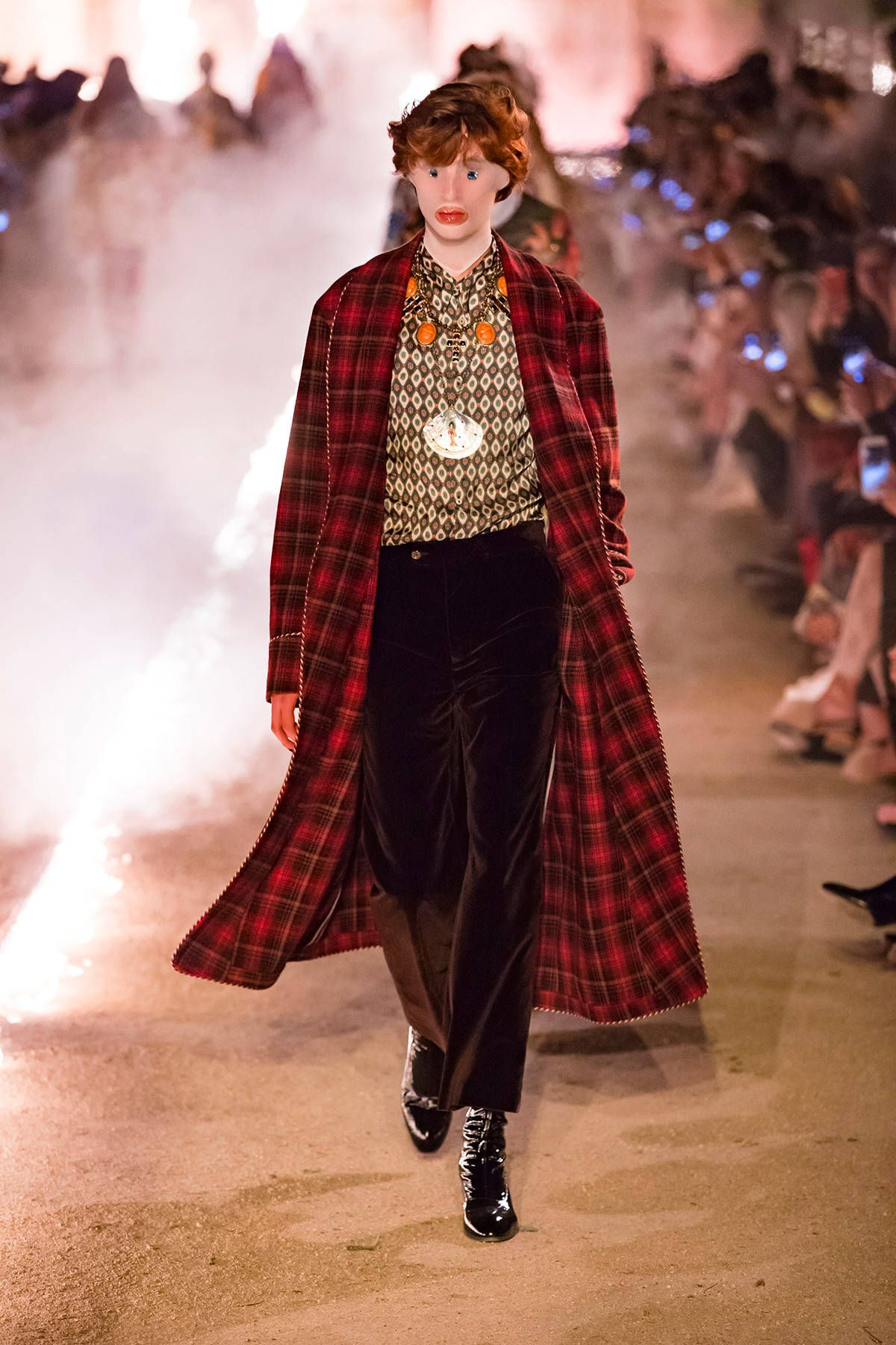 813cad050bb Cruise 2019  the Women s and Men s runway looks. - Gucci Stories