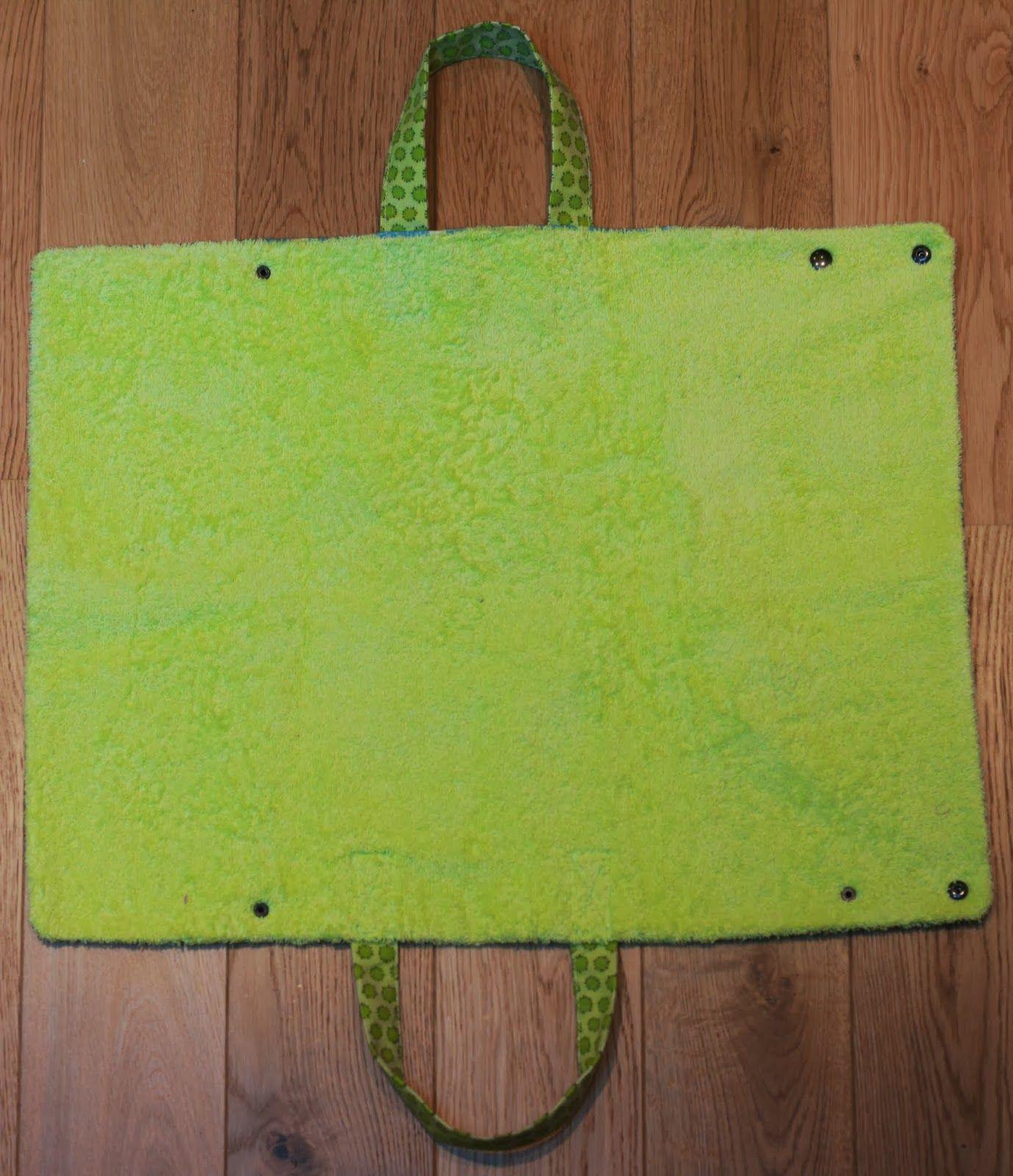Les b bidules tapis de vestiaire piscine transformable en sac maillot un jour tu coudras for Can head lice transfer in swimming pools