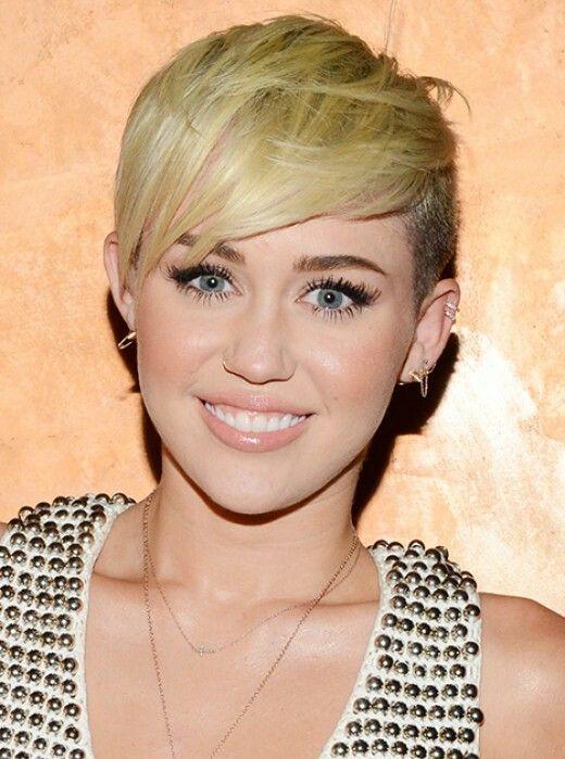 Miley Cyrus Frisuren Haarschnitt Pixie Frisur