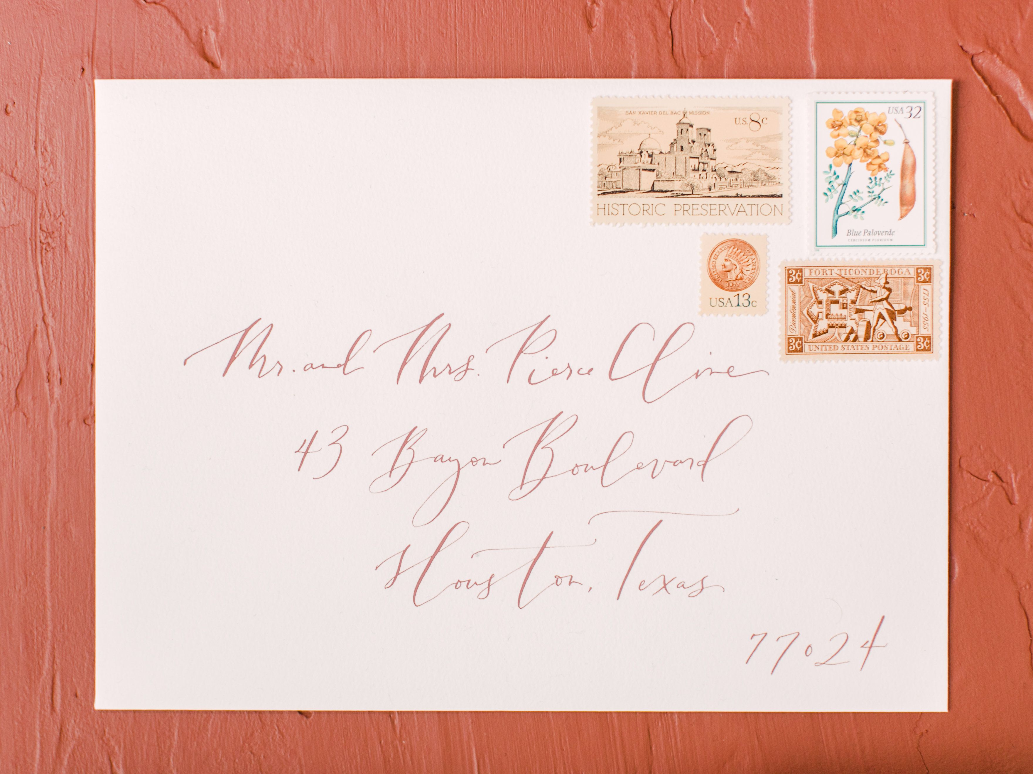 how to return address wedding envelopes%0A Calligraphy by Lauren Essl of Blue Eye Brown Eye  Photo by Luke and Cat  Photography
