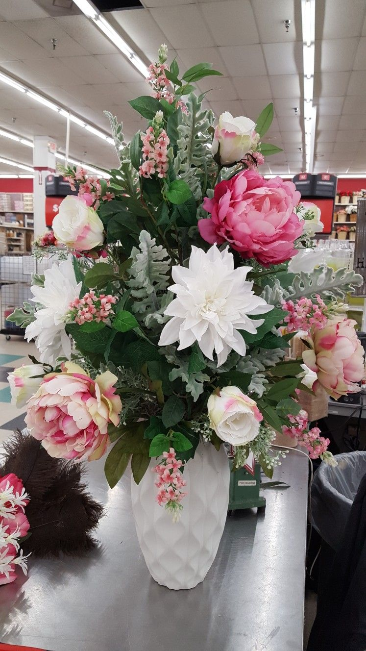 large floral arrangement by rhonda flower arrangements plants rh pinterest com