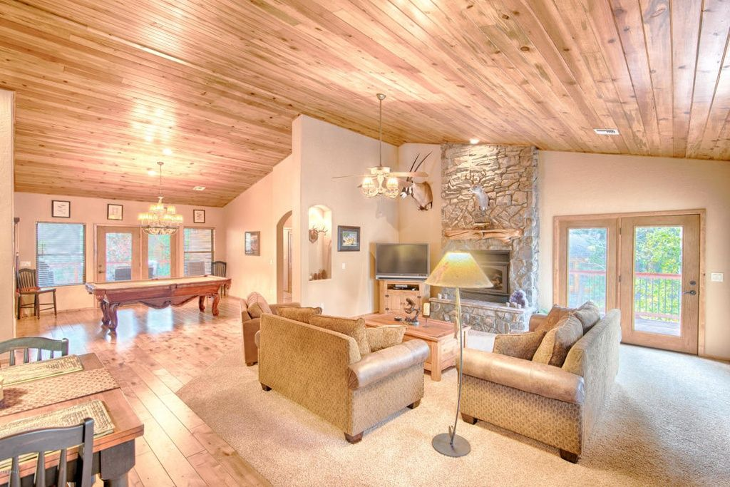 Amazing Cabin In The Highly Desired Gated Community Of Pine Ridge This Beautiful Furnished Home With True Pine Wood Flooring Wood Floors Wood Interior Design