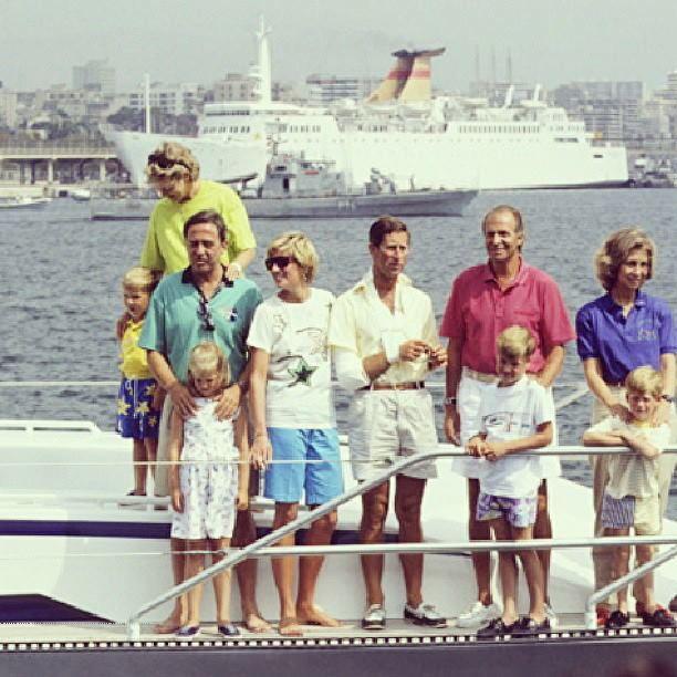 ¿Cuánto mide el Príncipe Carlos? / Prince Charles - Real height 4e0b7b204a11bdfb046cf82fd2731d61