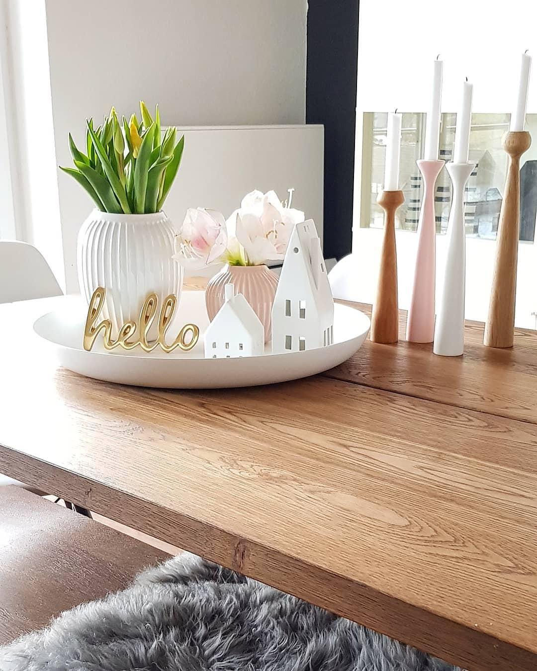 deko accessoires und wundersch ne kerzen sorgen auf diesem. Black Bedroom Furniture Sets. Home Design Ideas