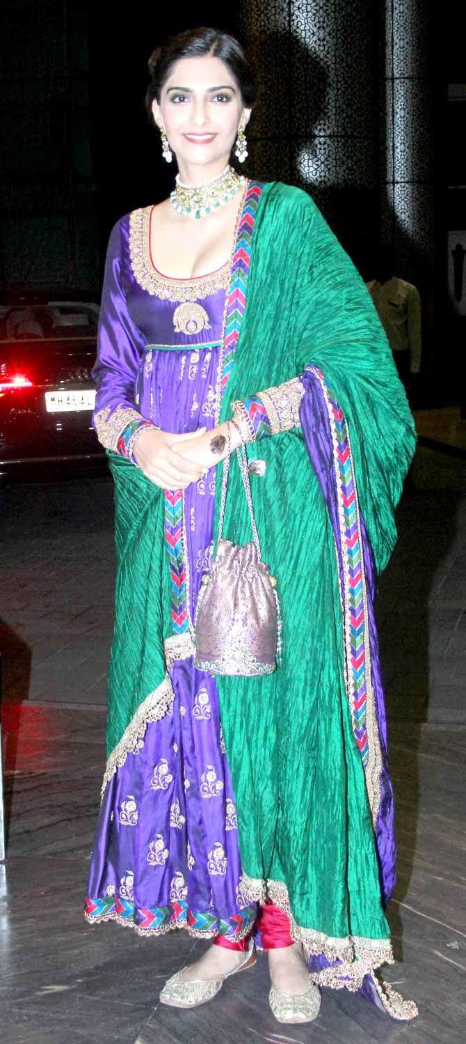 Sonam Kapoor at Shahid Kapoor and Mira Rajput\'s wedding reception ...