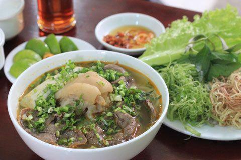 ĐI DU LỊCH HUẾ NÊN ĂN GÌ Ở ĐÂU LÀ NGON NHẤT http://dulichvietvui.com.vn/blog/di-du-lich-hue-nen-an-gi-o-dau-la-ngon-nhat.html