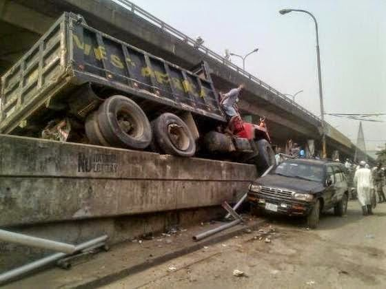 BLOG WITH FURY: PHOTOS: MULTIPLE ACCIDENT ALONG FALOMO BRIDGE IKOY...
