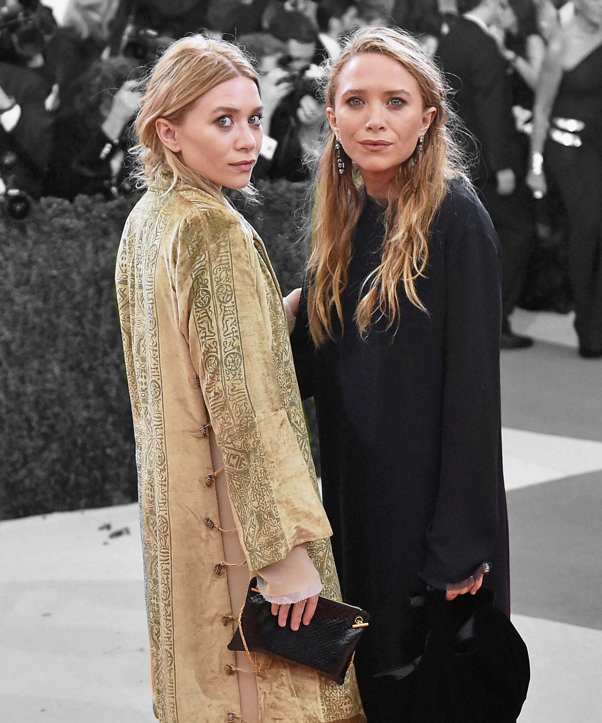 An Olsen Twin Sighting Is Like Seeing a Snow Leopard, So This Is a Special Day foto