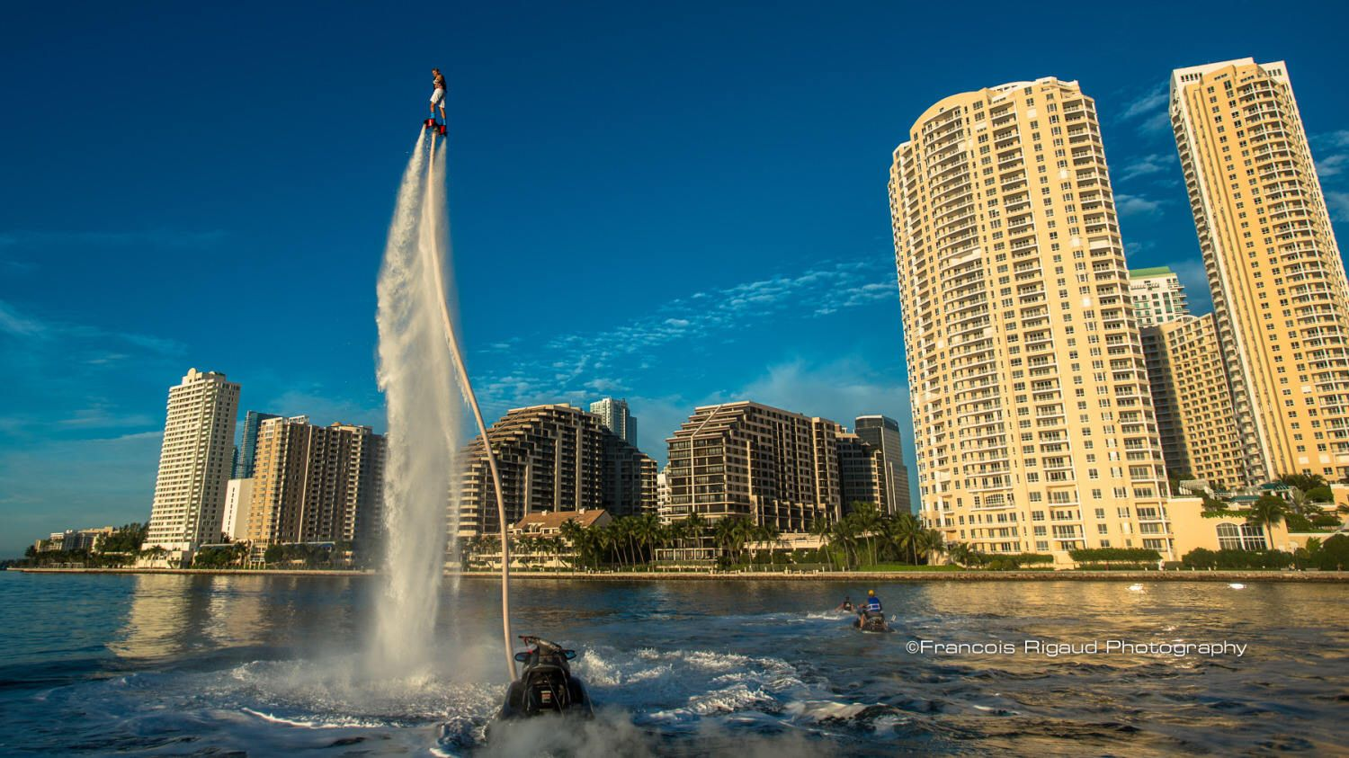 Pin Oleh Alstonia Oney Di Hoverboard And Flyboarding