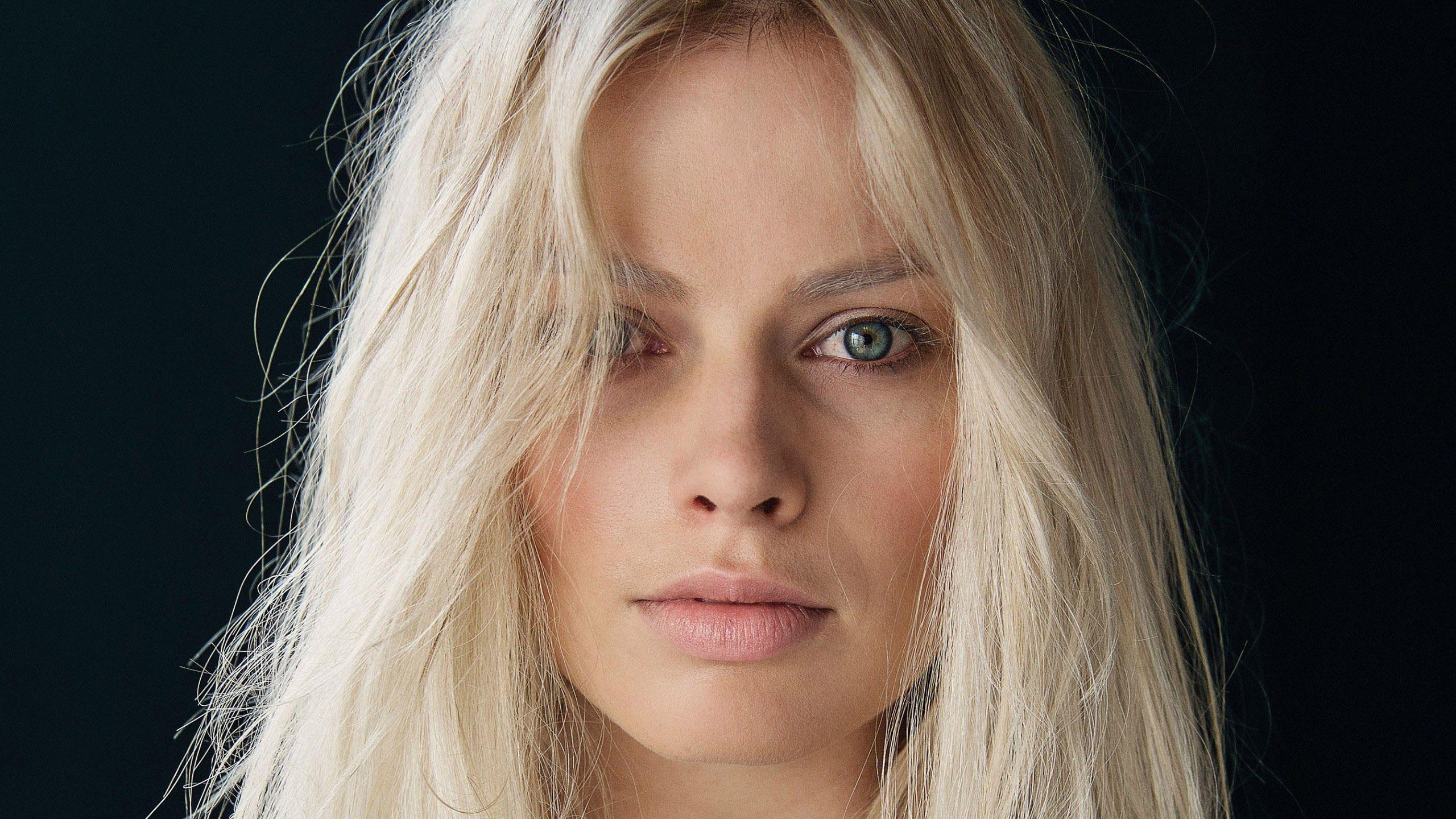 Margot Robbie Wallpaper 110430 Resolution 2560x1440 px