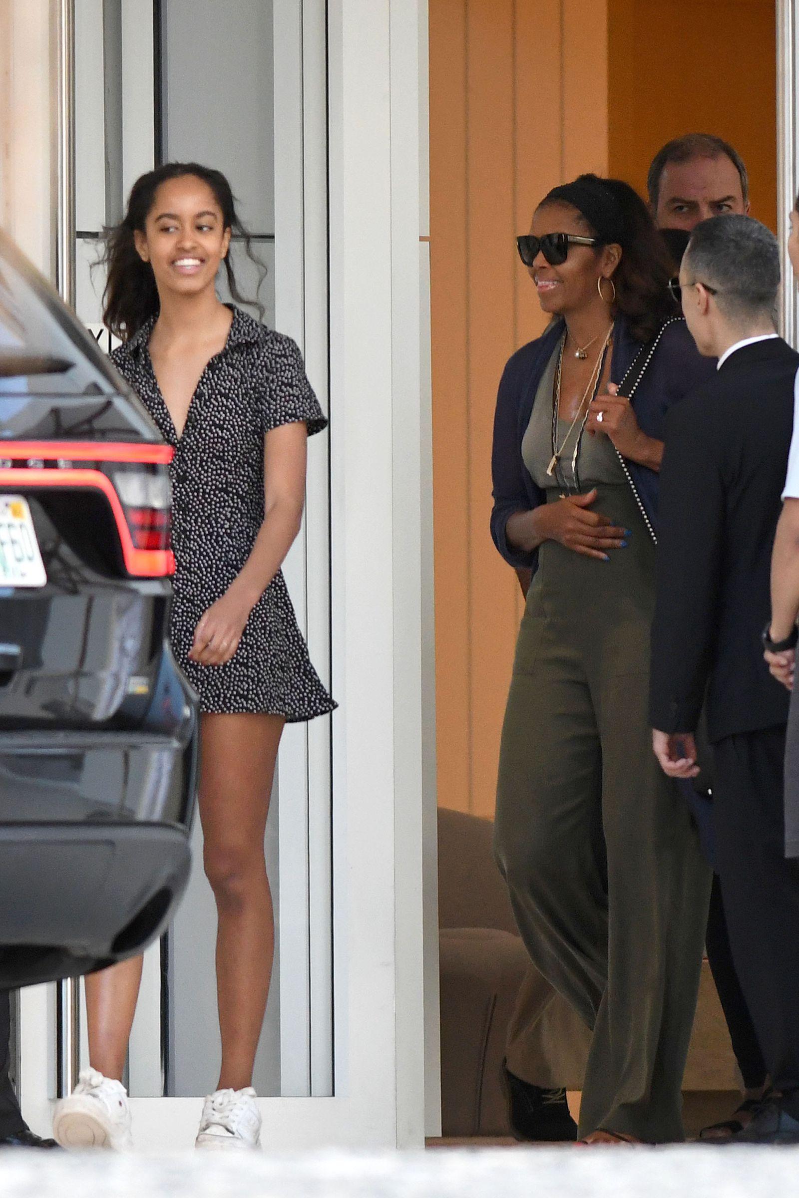 750e7c1966ea Michelle and Malia Obama Had a Mother-Daughter Beach Weekend in Miami -  HarpersBAZAAR.com