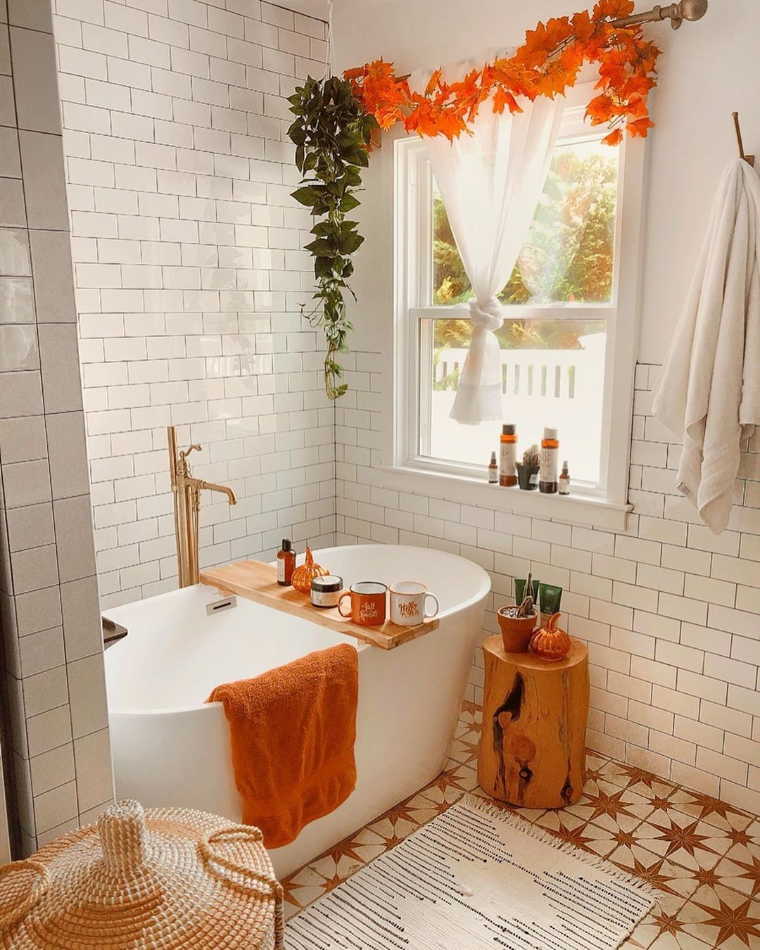 Zoella On Instagram You Can Always Count On Steffy To Bring You Autumn On The Very First Of Septe Fall Bathroom Decor Cosy Bathroom Christmas Bathroom Sets Fall bathroom decor sets