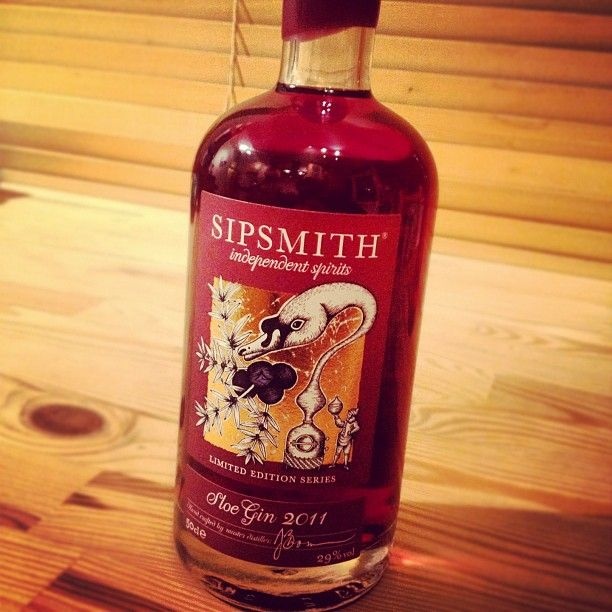 Day #344 - getting into the @tasteofxmas spirit with this lovely @SipsmithSam sloe gin