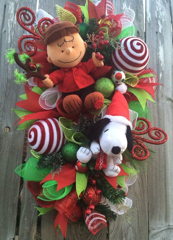 snoopy christmas wreath charlie brown christmas by babamwreaths snoopy christmas decorations christmas wreaths christmas - Charlie Brown And Snoopy Christmas Decorations