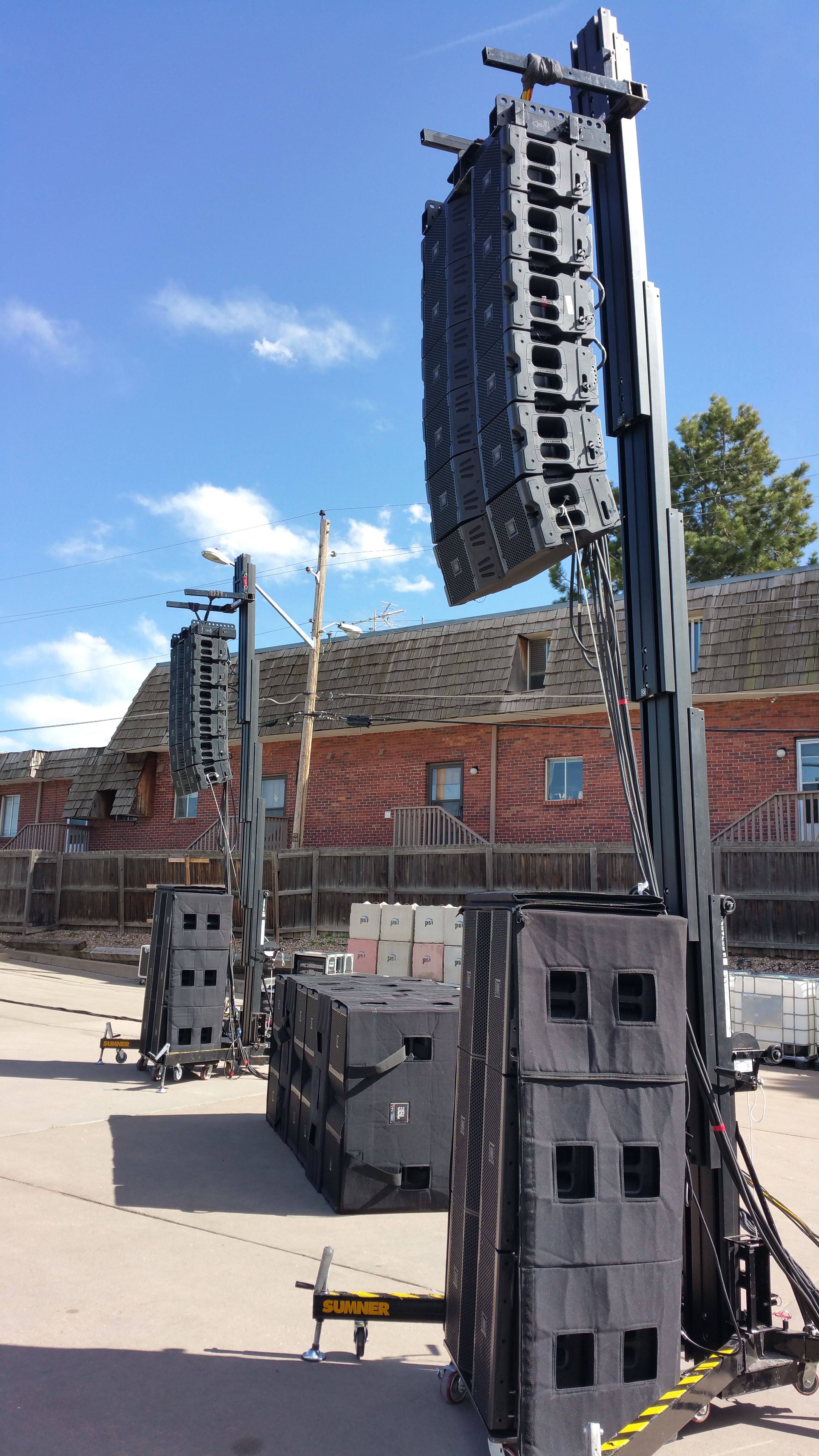 Listened to a good sounding demo rig by JBL Professional : #JBL VTX V20 Tops #JBL S28 Subs #JBL G28 Subs #Crown V-Racks