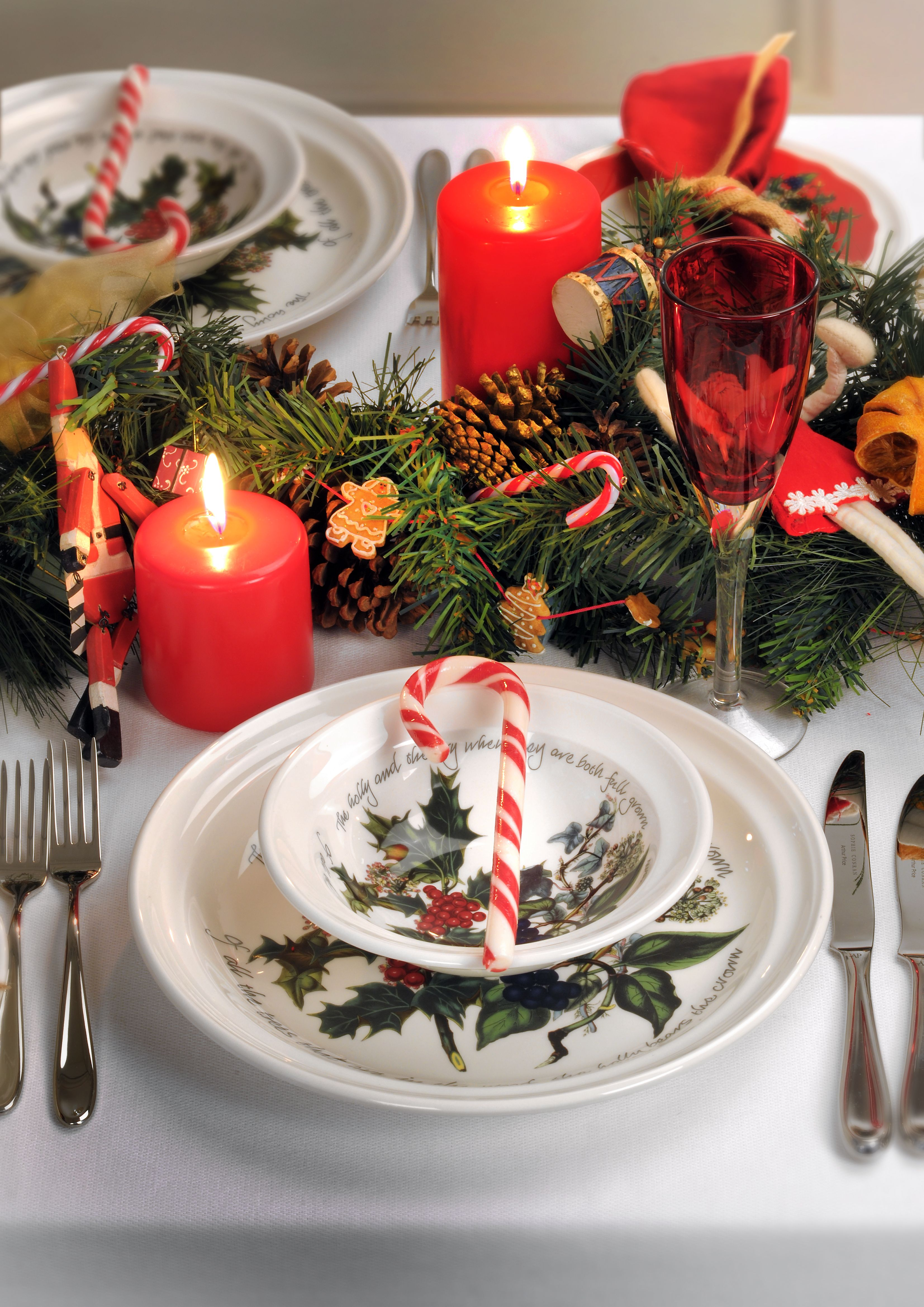 Portmeirion The Holly And The Ivy Dinner Plate 10 Inch Christmas Tableware Christmas Dining Christmas Table Settings